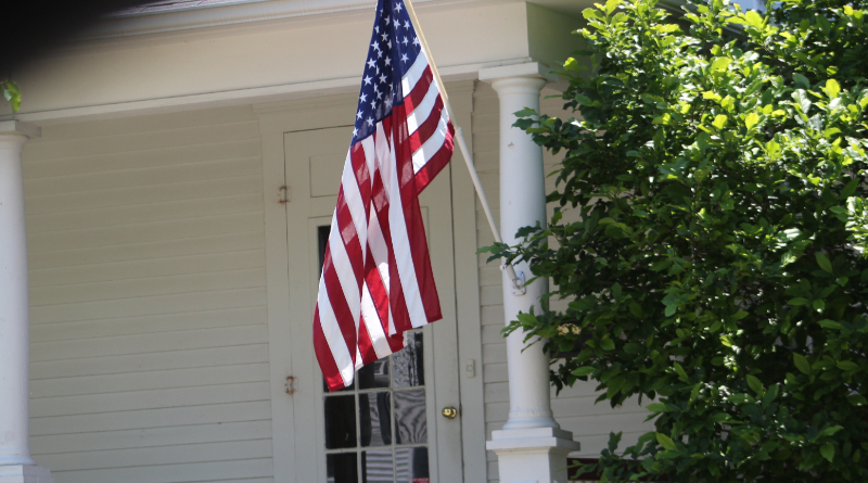 Findlay Residents Urged To Celebrate Flag Day - WKXA